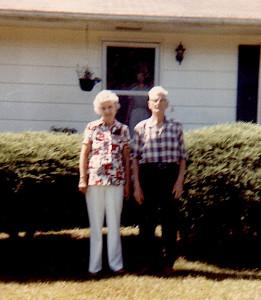 55 WHITE,Flora (Williams) & Ethel-fx